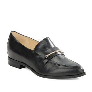 NINE WEST - Black loafers with gold trim